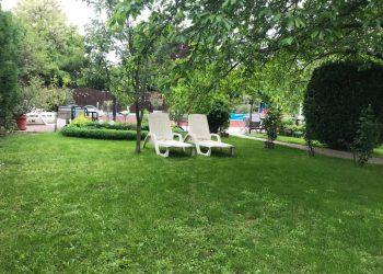 Marika Vendégház Szeged kerti napozó
